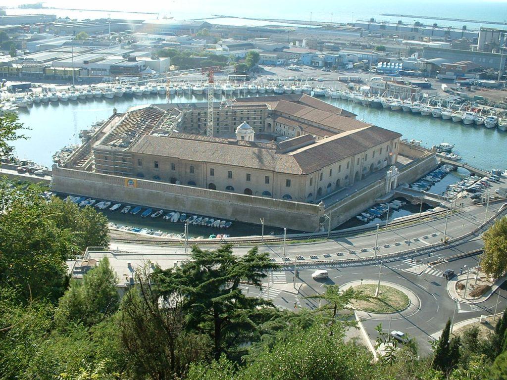 Ancona cosa vedere - Mole Vanvitelliana