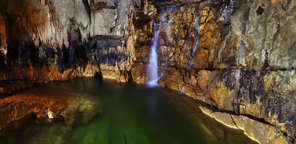 Grotte di Stiffe - borgo di Santo Stefano di Sessanio