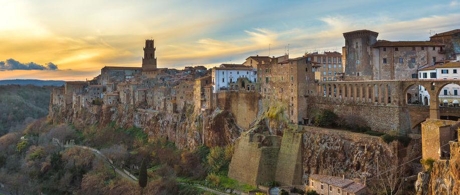Borghi-della-Toscana-Pitigliano
