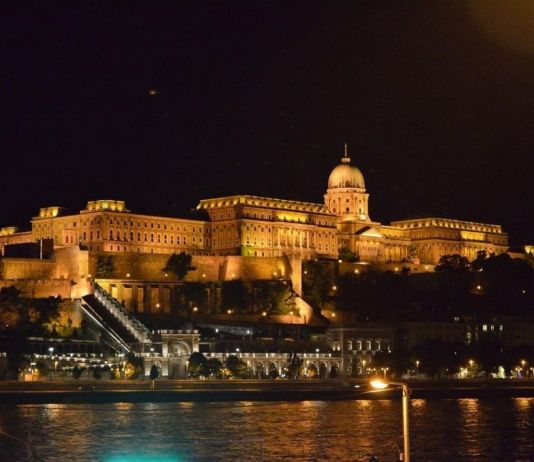 Budapest foto notturna