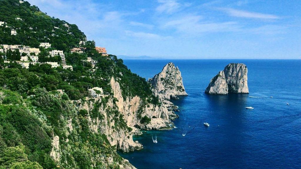 Faraglioni Capri Visti dai Giardini di Augusto