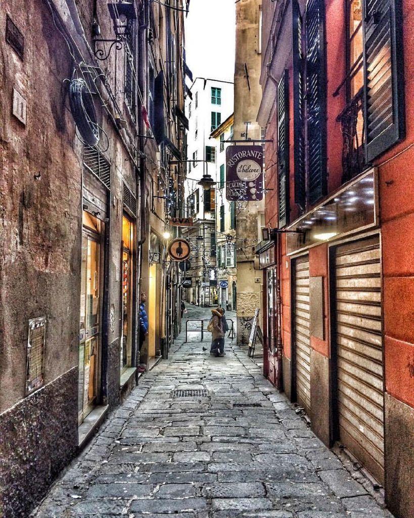 Genova i vicoletti del centro storico