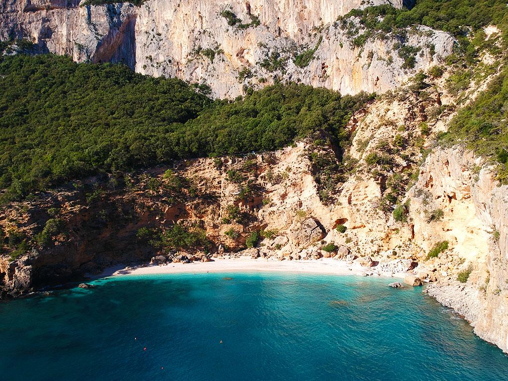 Cala Gonone: la Sardegna fra mare e monti
