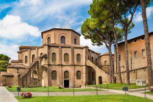 Mausolei e chiese