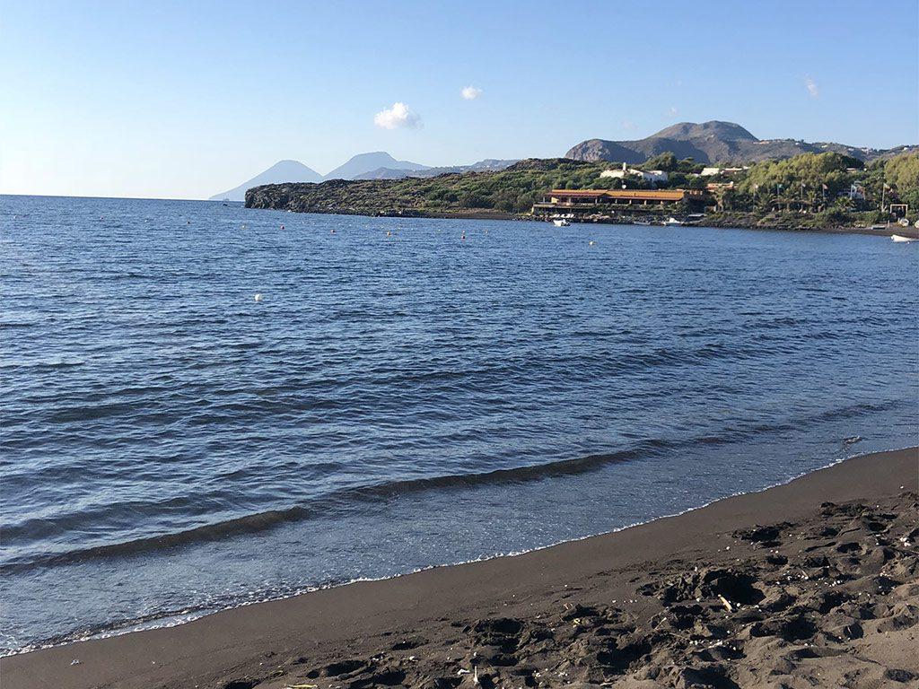 Spiaggia sabbia nera